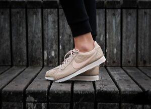 93d53e29d71 ... Image is loading Nike-Classic-Cortez-SE-902856-900-Blur  Nike Womens ...