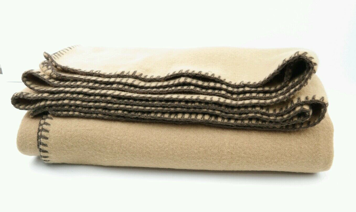 WILLIAMS-SONOMA  % Lambs Wool Made In  Blanket 70 X60