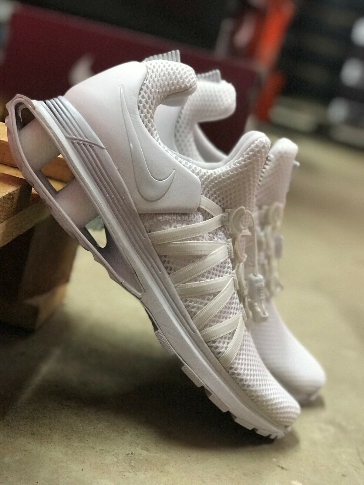 Nike Shox Gravity Mens Triple White Mesh Running shoes AR1999-100 NEW All Sizes