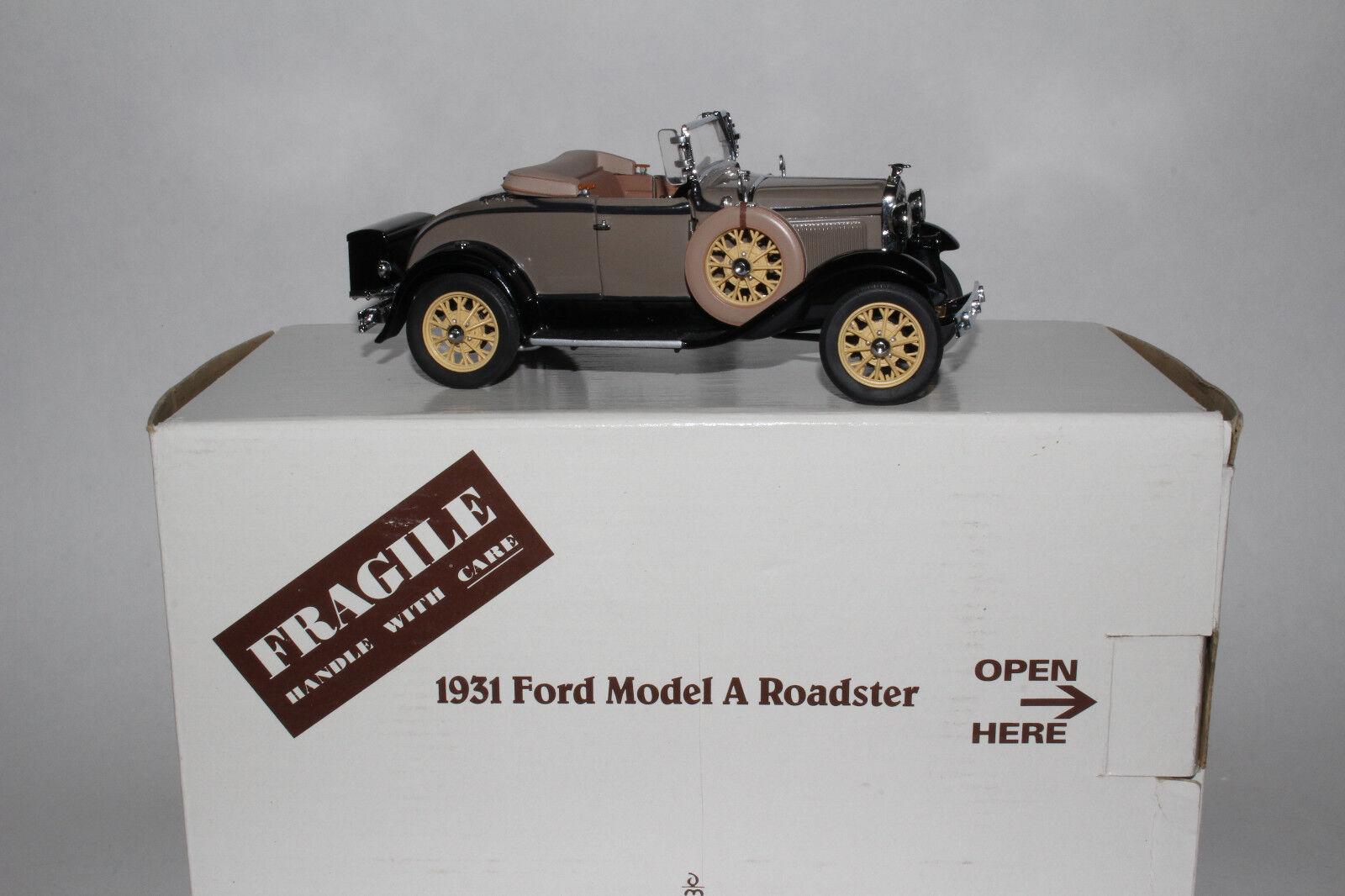 Danbury Neuf 1931 Ford Modèle A de Luxe Coupé Roadster 1 24