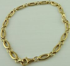 9ct solid gold 8.5 inch long yellow gold bracelet weighs 8.2 grams