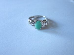 Stylish-Single-Stone-Sterling-Silver-Oval-Cut-green-Emerald-Ring-925-silver-sz-6