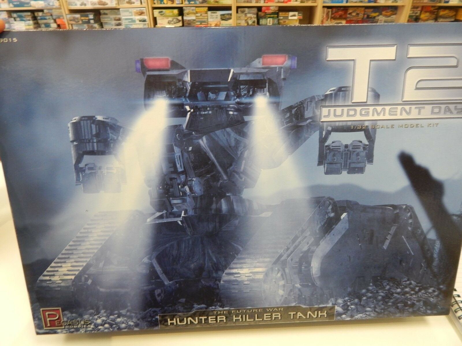 T2 Judgement Day  1 32 scale model kit