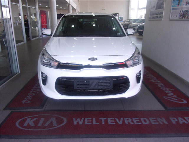 Clear White Kia Rio 1.4 EX 5-door AT with 50km available now!