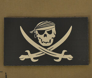 Ir-Infrared-Reflective-Patch-Nvg-034-Pirata-Jolly-Roger-With-Velcro-Brand-Gancho