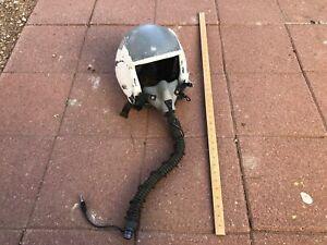 White-Pilot-Helmet-With-Oxygen-Mask-hose-Flight-Gentex-Corp-vintage-used