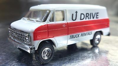1//87 Trident Chevrolet Van U Drive Truck Vermietung 90123