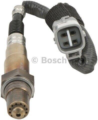 Bosch OE Oxygen Sensor Downstream for 2004-2006 TOYOTA SIENNA V6-3.3LLEFT