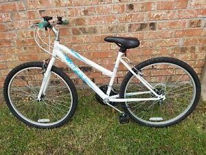15-Speed-Huffy-26-034-Rigid-Sports-Series-RSS-Women-039-s-Mountain-Bike