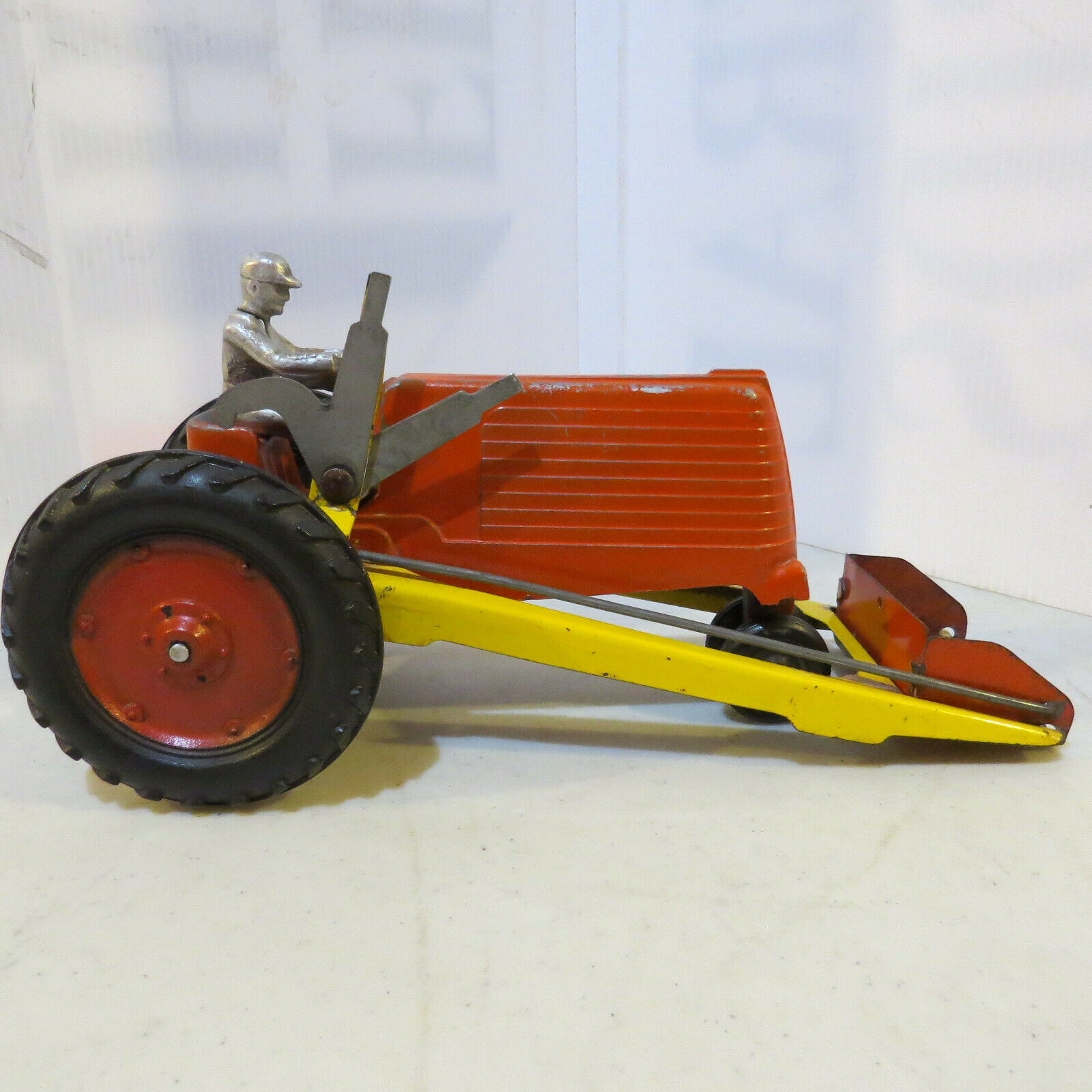 Lansing Slik Tractor with Loader & Driver LS025