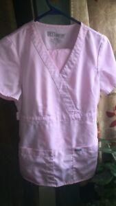 greys-anatomy-scrubs-pale-pink-small-set