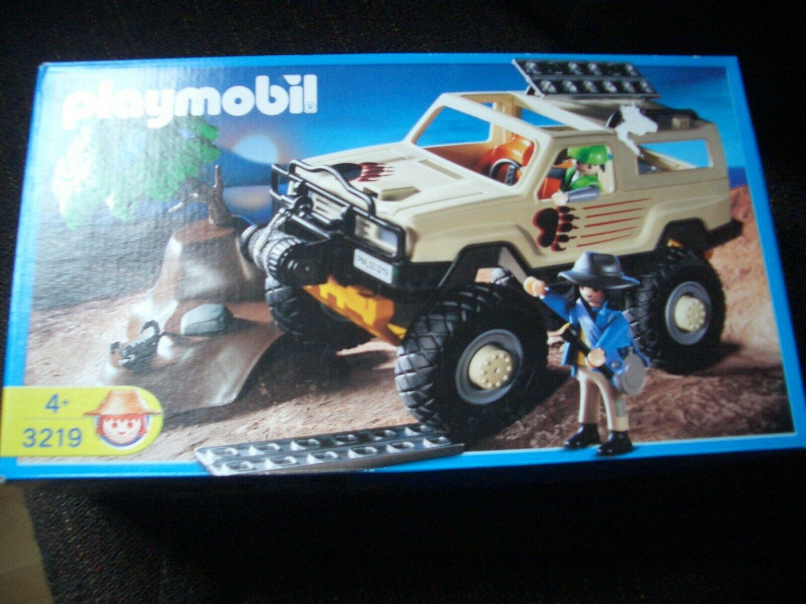 Playmobil 4x4 safari car adventure explorers ref 3219 new in box