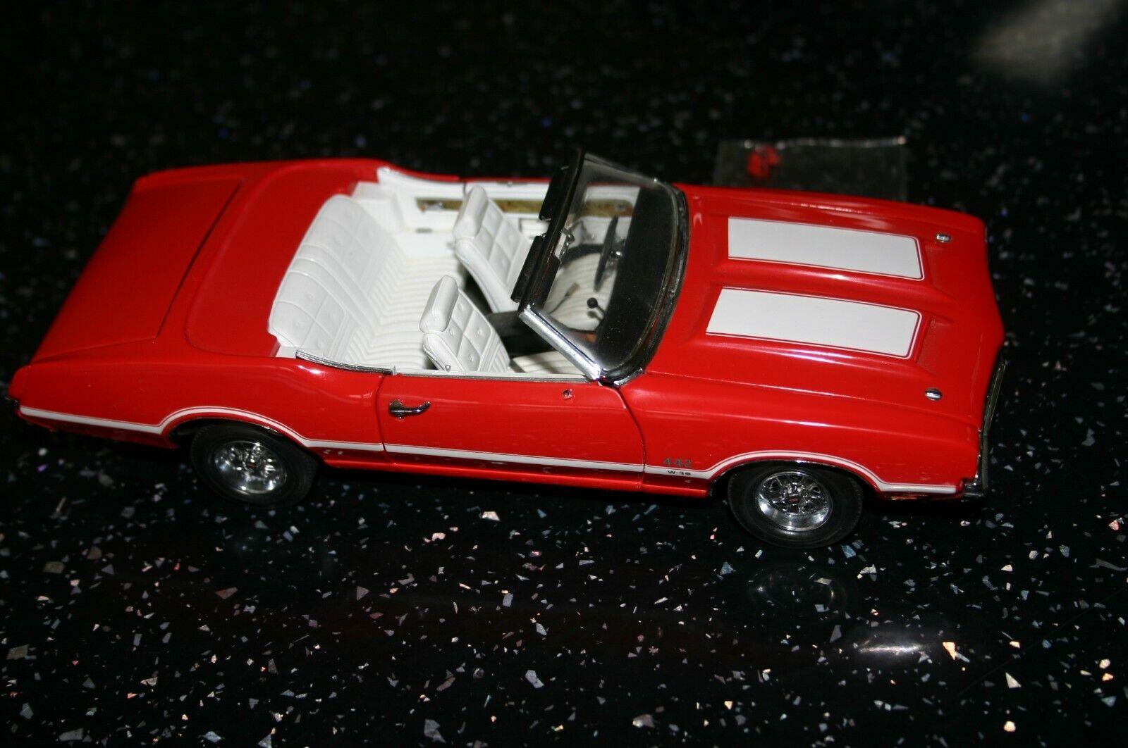 Danbury mint Oldsmobile congreenible 1970