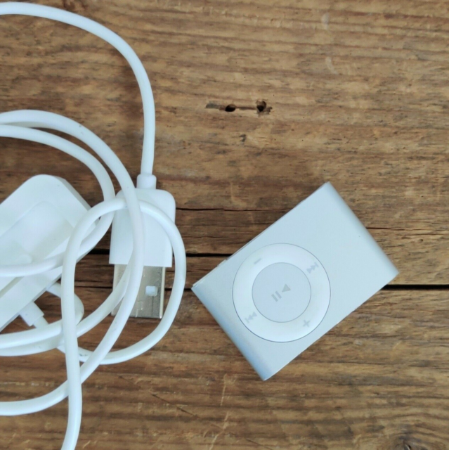 iPod, Shuffle, 1 GB, Perfekt, Great for listening to music…