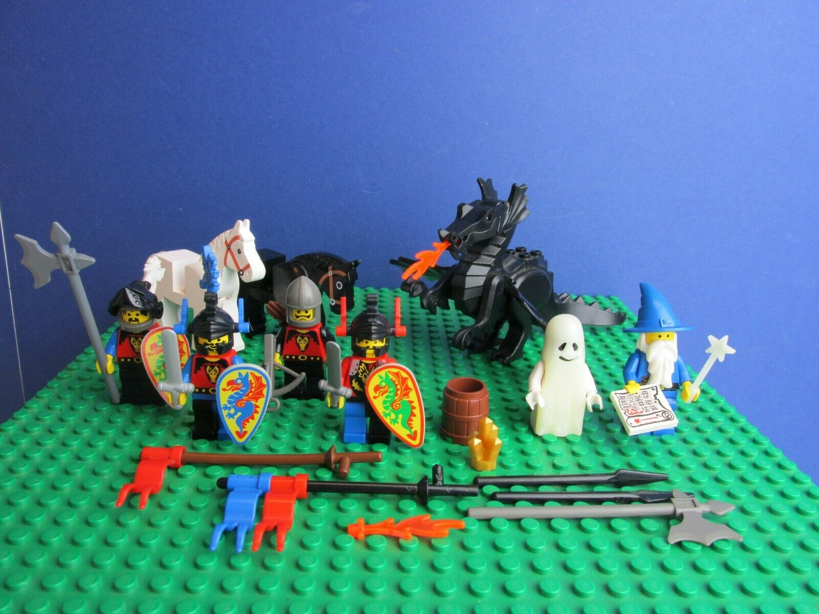 Genuine LEGO VINTAGE castle DRAGON KNIGHTS minifigure set GHOST WIZARD HORSE 62J