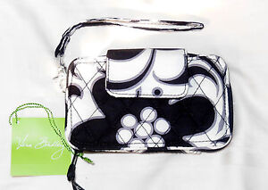 New with Tags Vera Bradley SMARTPHONE WRISTLET in NIGHT   DAY 14416 ... 73fbaacf77fc5