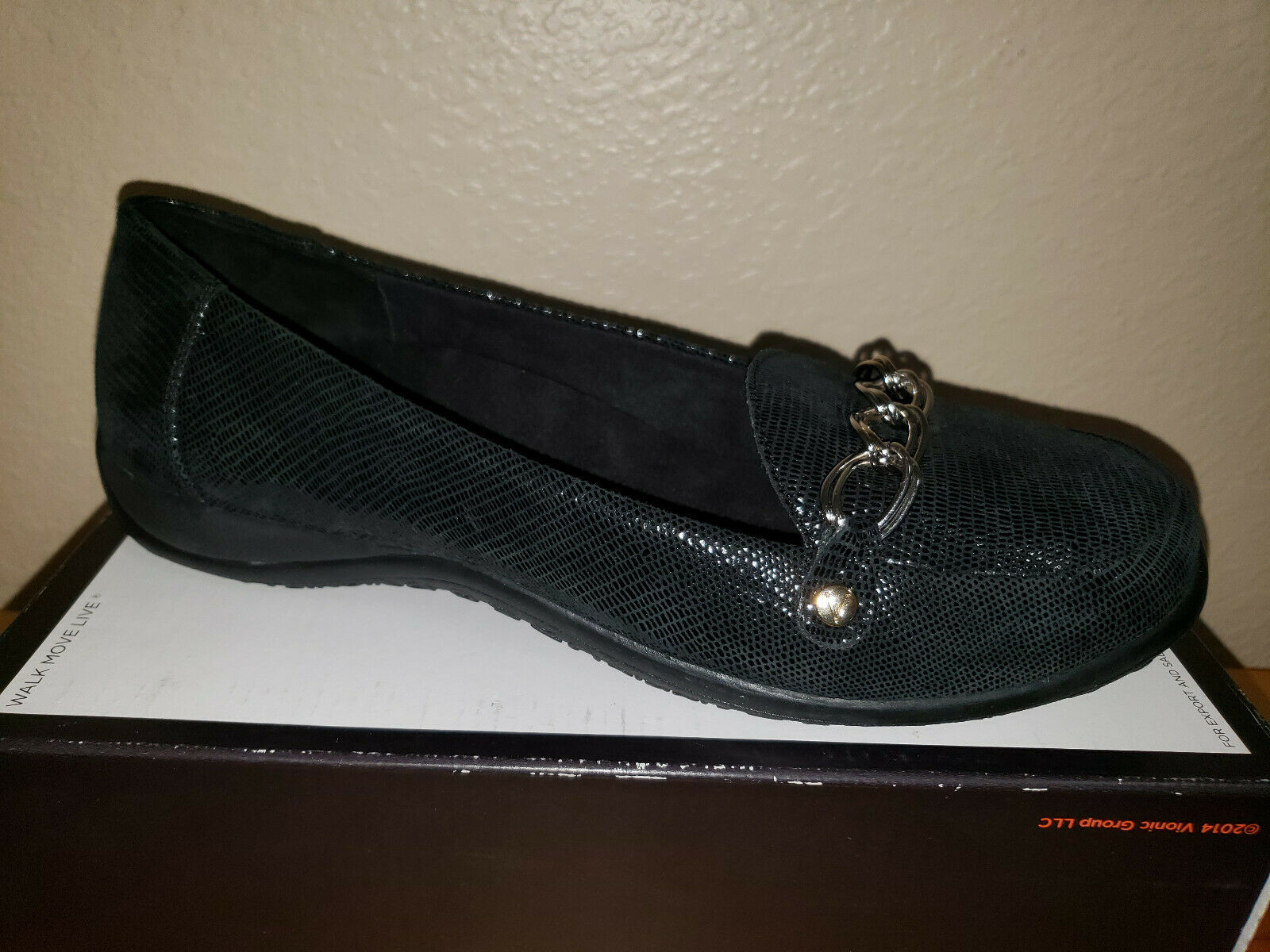 130 NEW Womens 9.5 Wide Vionic Charm Alda Loafers Black Lizard