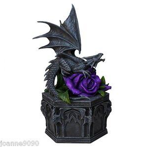 Nemesis-ORA-Dragon-Beauty-portagioie-gotico-fantasia-Anne-Stokes-da-esposizione