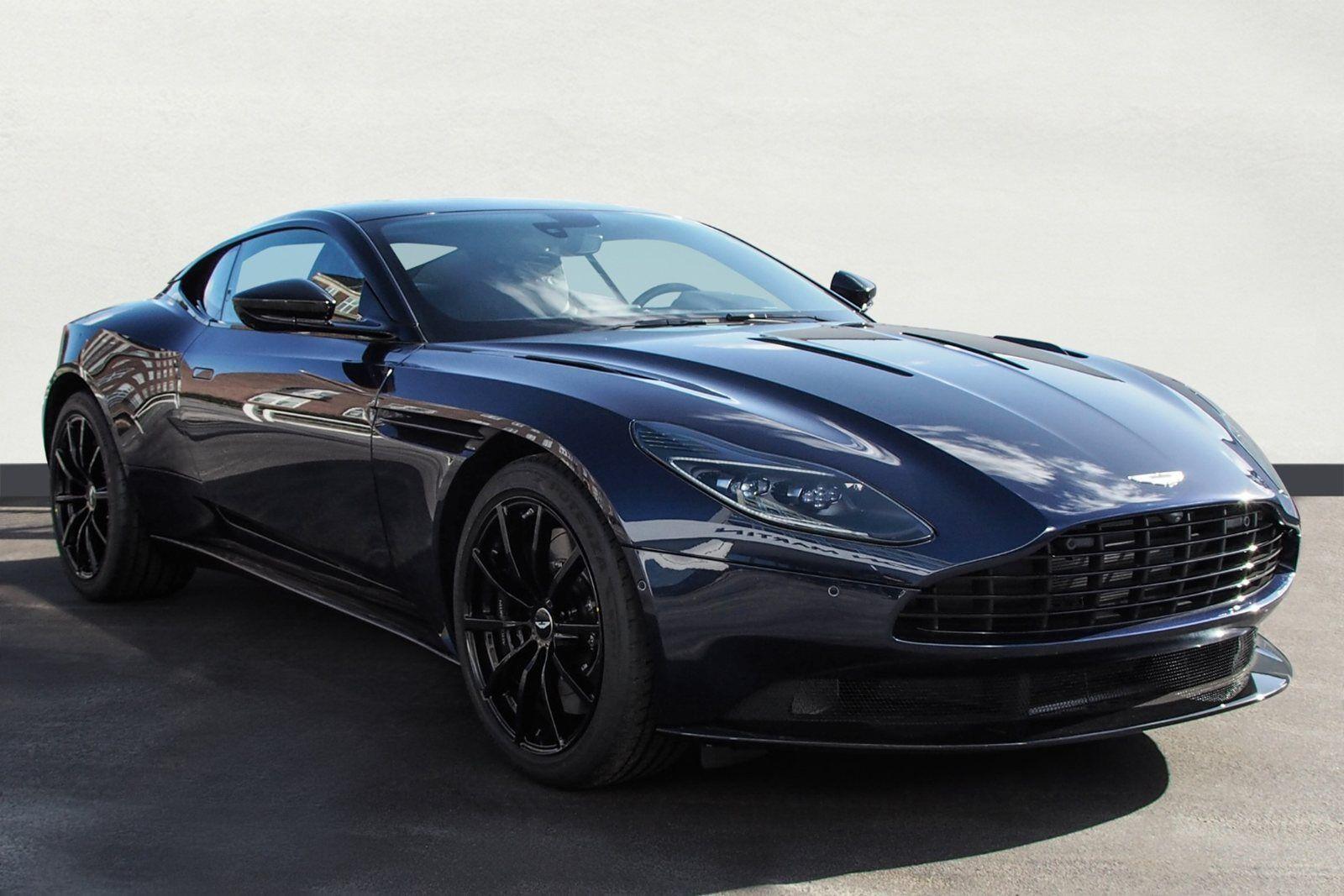 Aston Martin DB11 5,2 V12 Coupé AMR aut. 2d