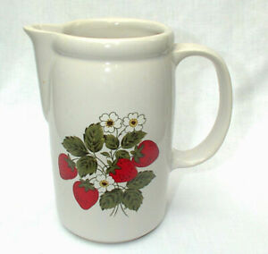 McCoy-Strawberry-Country-7-034-Water-Milk-Lemonade-Kitchen-Pitcher-Jug-1429