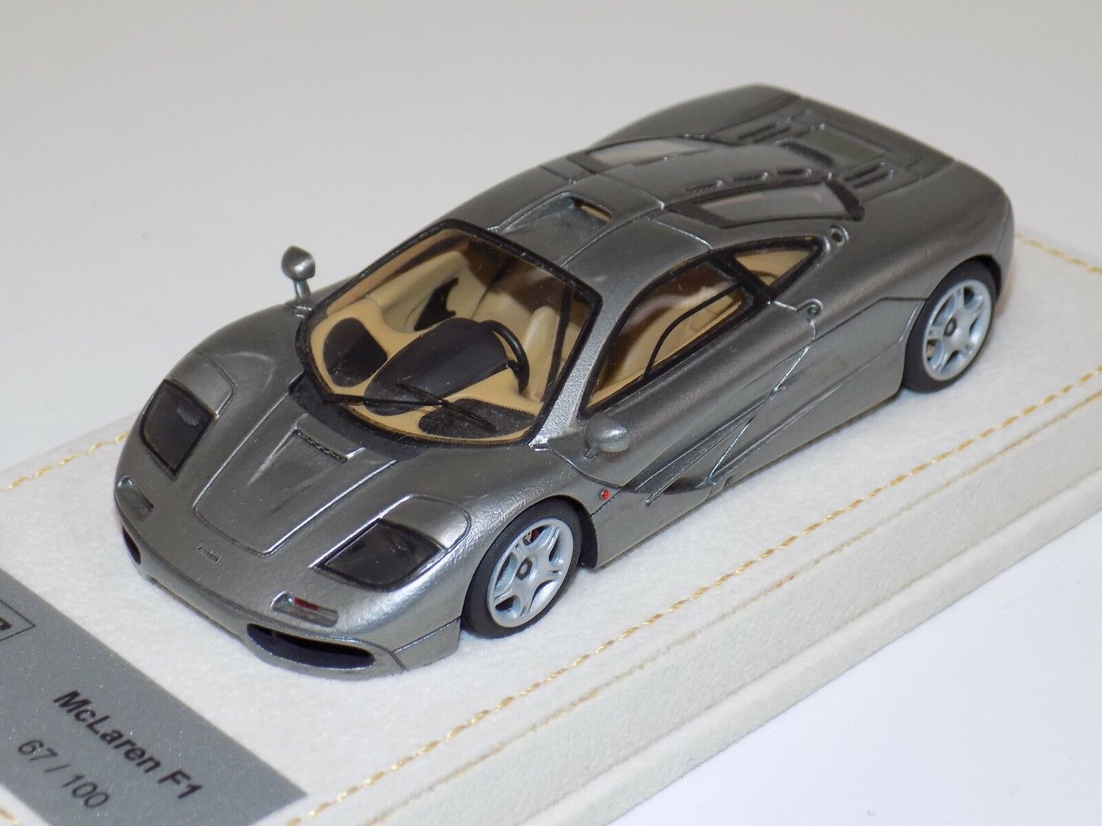 1 43 AB Modells McLaren F1 Roadcar in Titanium AM025AL