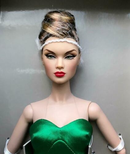 """12/"""" Divine Evening Victoire Roux Dressed Doll~Luxe Life Con.~No Jewelry /& Gloves"""