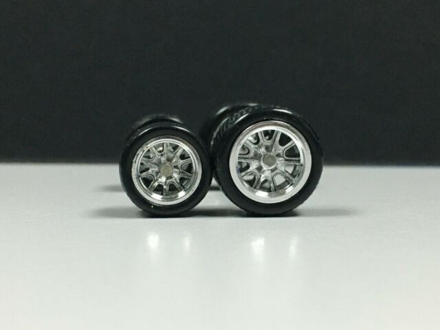 Extra Long Axle RUBBER,TIRE,REAL RIDER Hot Wheels 1//64 SET /> Red Chrome Line