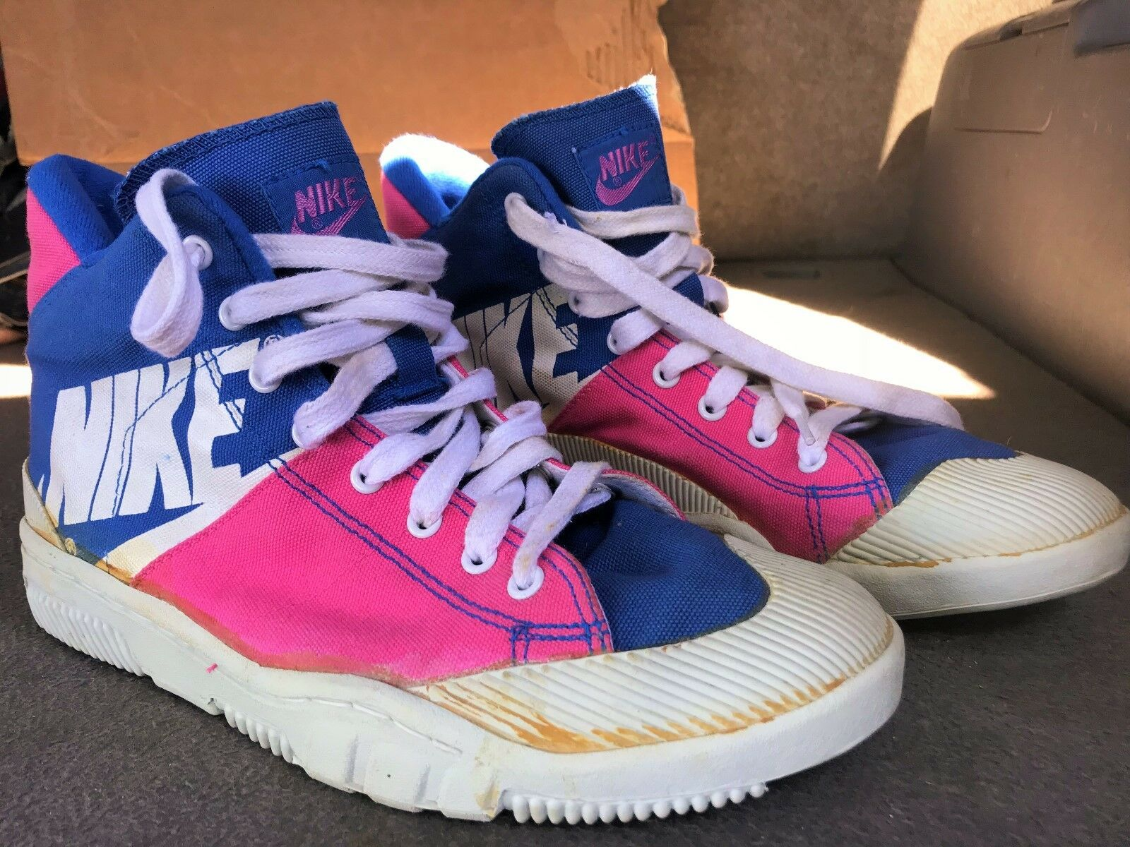 Vtg NIKE OUTBREAK Shoes 9.5 SUPER RARE Supreme Canvas AIR Hot Pink OG's ACG Star The most popular shoes for men and women