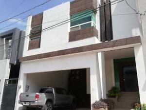Casa en venta en Pedregal La Silla Monterrey
