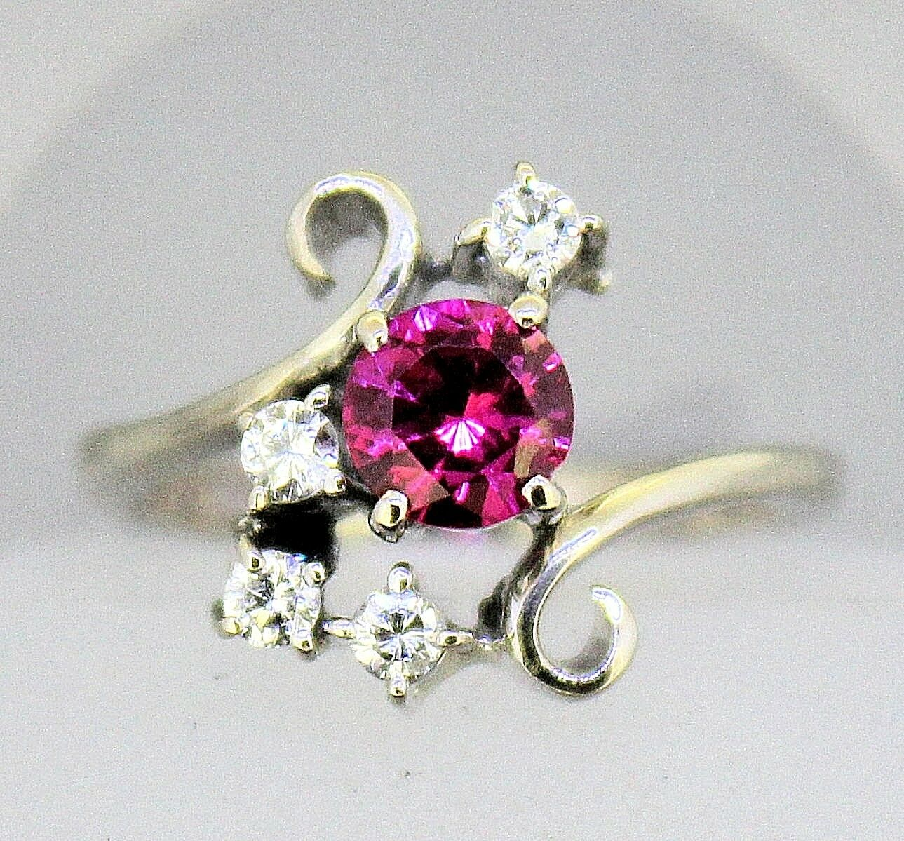 CREATED RUBY SOLITAIRE & .16 ct DIAMOND RING REAL SOLID 14 KW gold 5.0 g SIZE 6