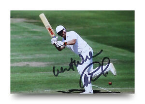 Graham-Gooch-Signed-6x4-Photo-England-Cricket-Batsman-Autograph-Memorabilia-COA
