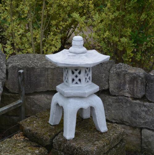 Große sehr massive Oki Gata Yukimi japanische Steinlaterne Steinguss frostfest