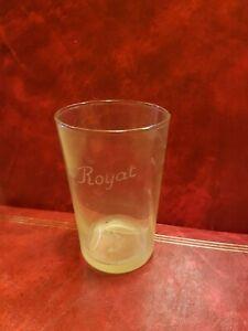 Magnifique-verre-ancien-marque-ROYAT-avec-son-panier