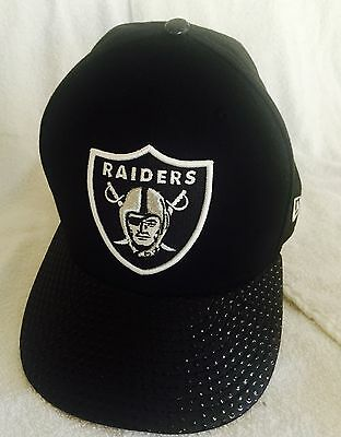 """Black Men/'s NFL Cap New Era 59Fifty Oakland Raiders /""""Team Twisted/"""" Fitted Hat"""