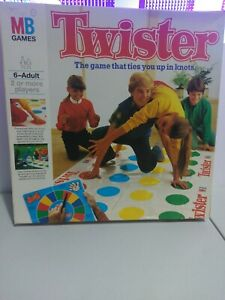 Twister-By-MB-Games-1985-THE-GAME-THAT-TIES-YOU-UP-IN-KNOTS-MILTON-BRADLEY