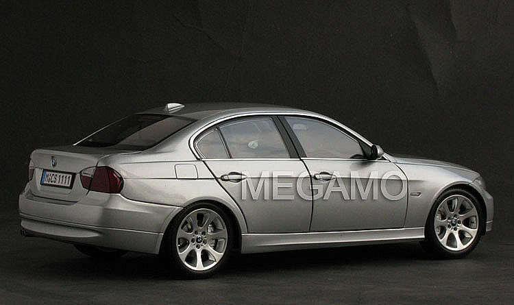 1 18 BMW Dealer e90 325i 330i Sedan 4-Door Kyosho N52 L6 Engine 05-08 Before LCI