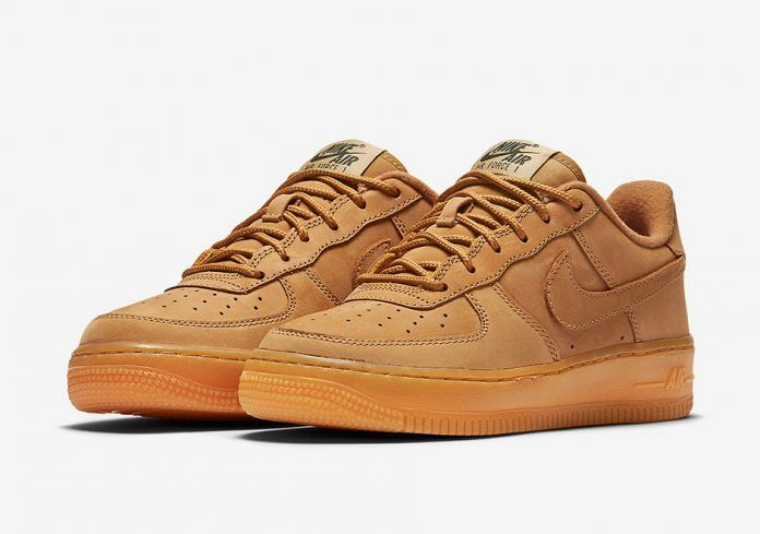 NEW IN BOX NIKE Men's classic air force 1 '07 WB low FLAX Size 8US