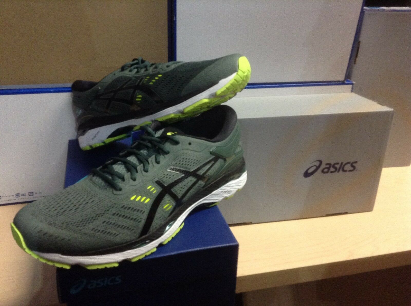 MEN'S ASICS - GEL- KAYANO 24 (T749N-8290) - SIZE 9 - 35% OFF