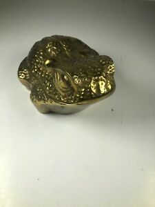 Vintage-Brass-Frog-Storage-Container