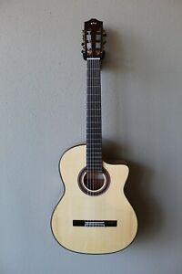 New Cordoba Iberia Series GK Studio Acoustic/Electric Flamenco Blanca Guitar