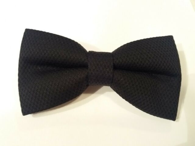 "Trabucco plain black dots 2 layer tweed pre-tied ""Wow bow ties"" bow tie"
