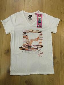 Boom-Bap-T-Shirt-blond2-bb1-0402-White-V-Neck-NEW