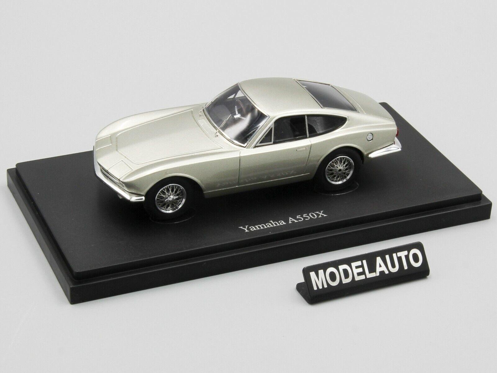Autocult 1 43 Yamaha A550X, argento, Japón, 1964