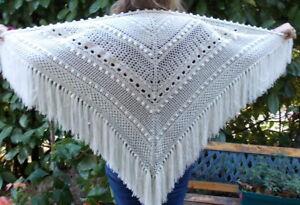Aimable Chale Crochet Fait Main Sylvette Raisonnier Artisanat Francais Blanc Casse Minet
