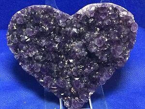Amethyst-Geode-Heart-A-Amethyst-Druzy-Crystals-Mineral-Gemstone-Uruguay