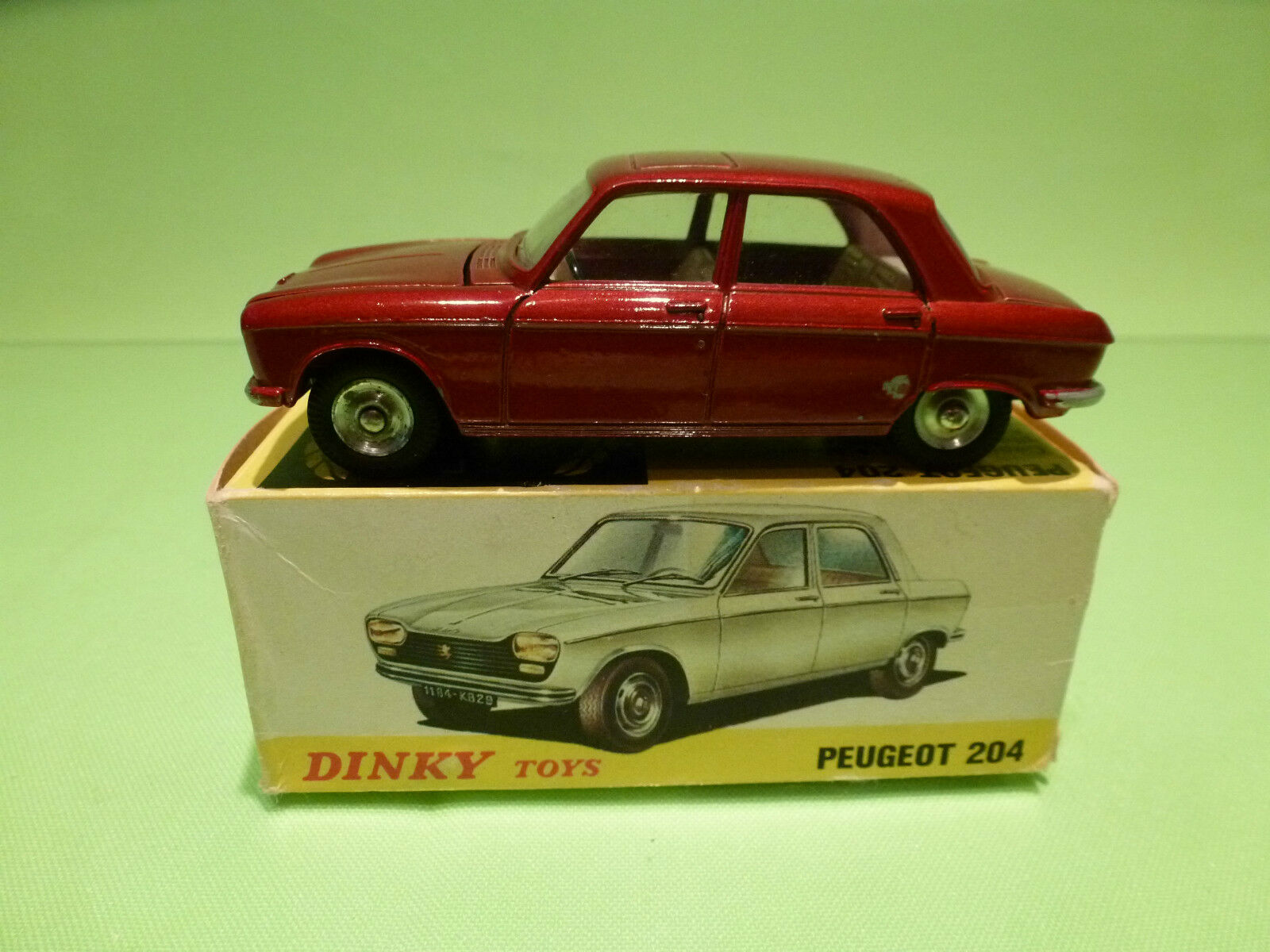 DINKY TOYS 510 PEUGEOT 204 - RARE SELTEN - EXCELLENT CONDITION IN BOX
