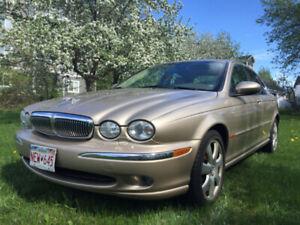 2004 Jaguar 3.0 V6  X-type AWD/ Luxury Only95,000Km
