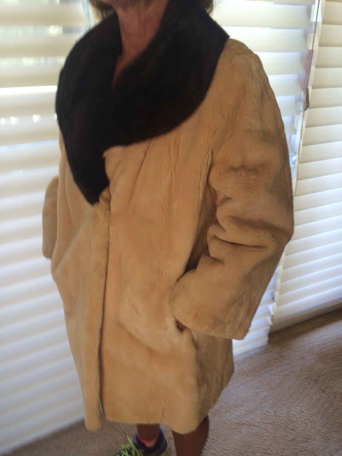 Vintage I Magnin Custom Beaver Coat - image 3