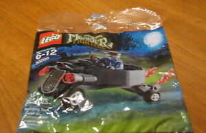 LEGO-MONSTER-FIGHTERS-RETIRED-SE-30200-ZOMBIE-COFFIN-CAR-NEW-AND-SEALED