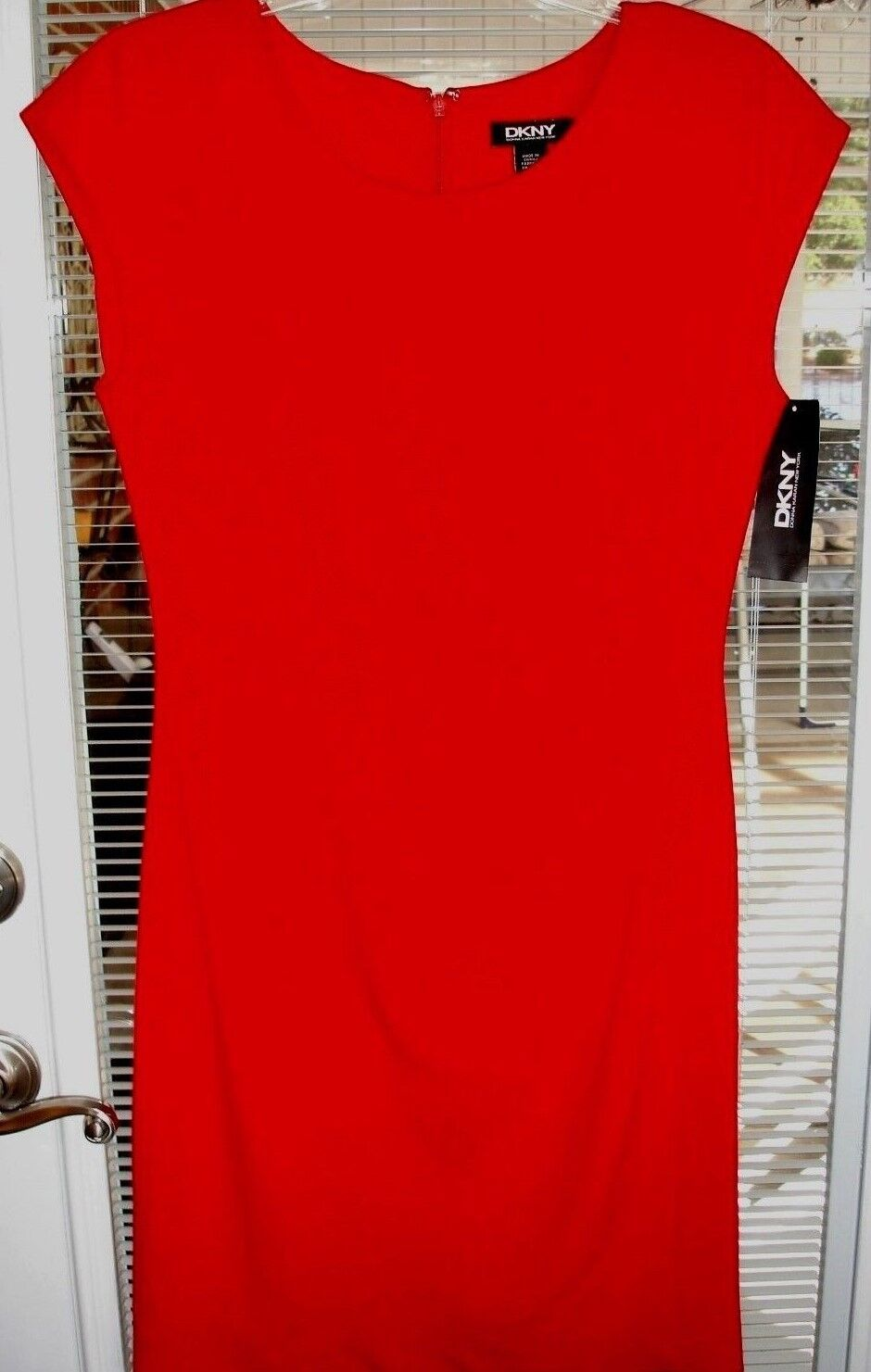 women KARAN Solid Red Sleeveless Dress  Womens Size 6 Classic Style New